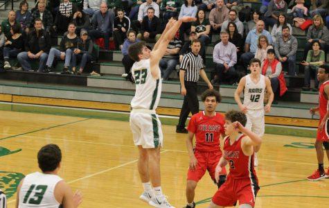 Boys basketball shoots at regionals