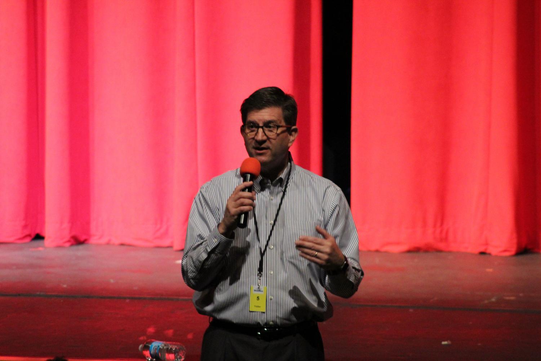 State Respresentative Brad Schneider visits government students
