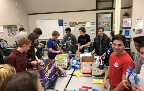 FBLA packs Marine care packages